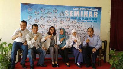 SET  Sehati Entrepreneirship Training Motivasi Wisausaha  Juni SMA 212 (3).jpg